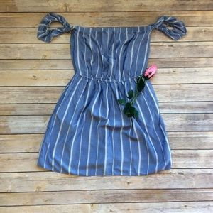 AEO blue white strapless off the shoulder dress